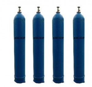 4 синих баллона наполненных кислородом